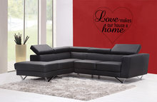 Love makes our house a home woonkamer